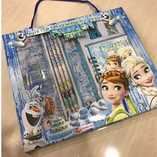 Frozen - 8 in 1 Stationary Set