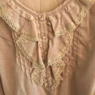 杏色長袖蕾絲襯衫