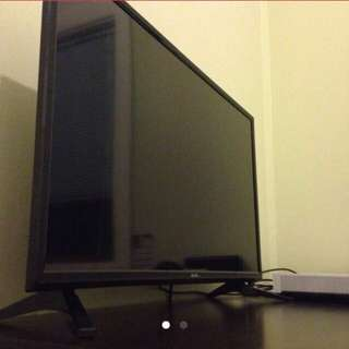"Soniq 32"" LED LCD TV"