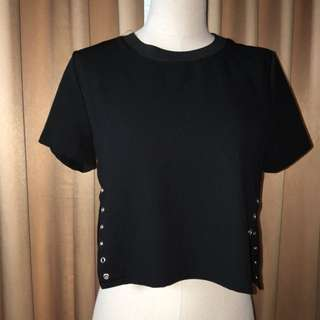 Cropped top with side eyelets