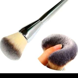 FREE NM+BIG SPONGE PUFF*INSPIRED IT Brush for Ulta Live Beauty Fully Jumbo Fluffy All Over Powder Brush # 211 ($8 for self collection)*sold*