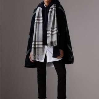 BNWT Burberry cashmere scarf