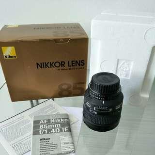 Nikon nikkor AF 85mm f/1.4D IF