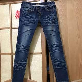 刷白拉鏈釦子造型彈性牛仔褲/長褲#冬季衣櫃出清#舊愛換新歡