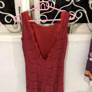 Jumpsuit red bolong belakang