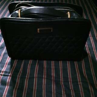 CHARLES AND KEITH BAG FOR SALE 800