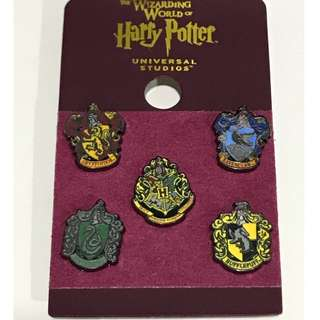 Universal Studios Harry Potter Hogwarts Miniature Crest Pin Set