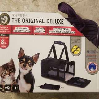 Brand new Sherpa Original Deluxe pet carrier