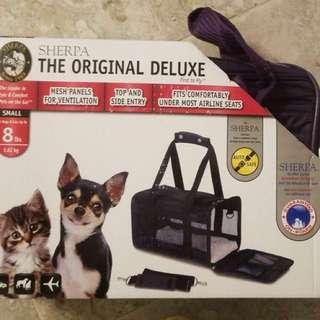 Brand new Sherpa Original Deluxe pet carrier