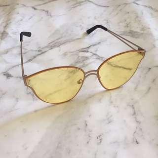 Hawkers co sunglasses clear orange Perspex