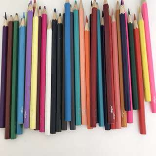 Smiggle color pencils with Frozen pencil case
