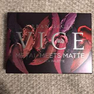 Brand new - urban decay vice metal meets matte lipstick palette