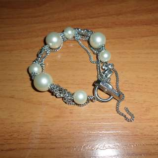 GIVENCHY PEARLS AND DIAMONDS BRACELET