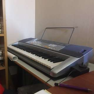 Casio LK110 Electronic Keyboard Piano