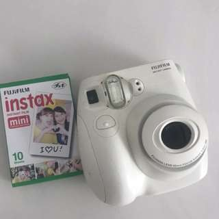 Fujifilm instant camera plus FREE instax films