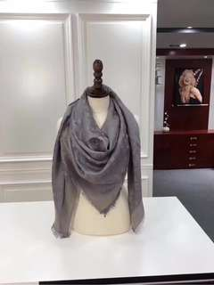 LV Louis Vuitton 路易威登 圍巾 披肩  70%真絲 30%純羊絨  140x140cm