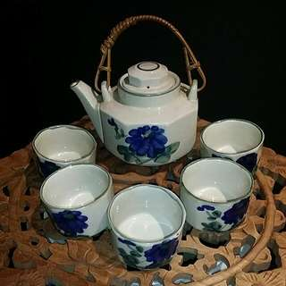 Vintage Chinese Teapot With Rattan Handle Handpainted