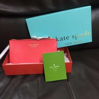 🈹Kate Spade New York Cedar Street Slim Bee Wristlet