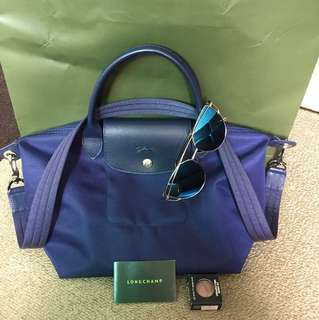💯 % ori longchamp neo with longstrap in navy blue just bought in November 2017