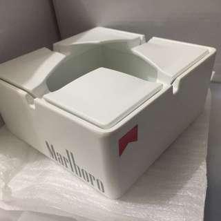有蓋式煙灰缸