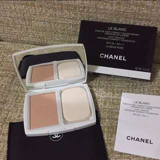 Chanel le Blanc foundation