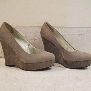 Neutral Camel-colored Pump Wedges
