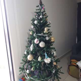 6 feet Christmas Tree (with deco)