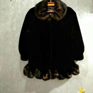 超級平,厚毛毛女裝中褸,全新,非常柔軟舒適保暖,太多褸要清一清,原價1380,中大碼都啱著,可面交或順豐到付。