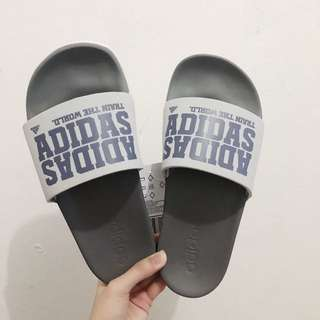 Adidas slipper slides