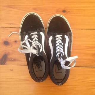 Old Skool black and white vans