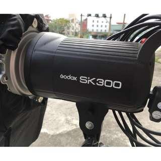 Godox SK300 棚燈