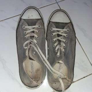 Sepatu Converse Size 41