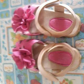Girl Flower shoes for 3-4 year old