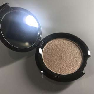 Becca deluxe size in Opal Shade