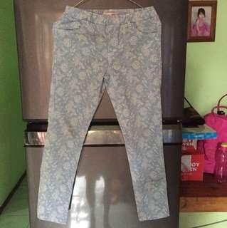 Celana jeans motif aero 5-6 thn