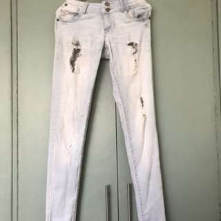 Ripped Jeans (Light Wash)