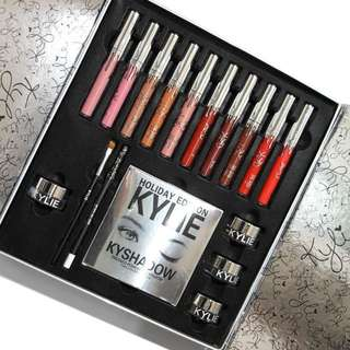 KYLIE HOLIDAY EDITION MAKEUP SET