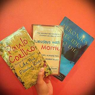 Bundle books for only P269.00