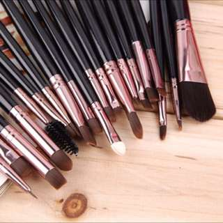🔥 Instock 20 Piece Makeup Brush Set