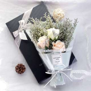 Dried Flower Babybreath Bouquet