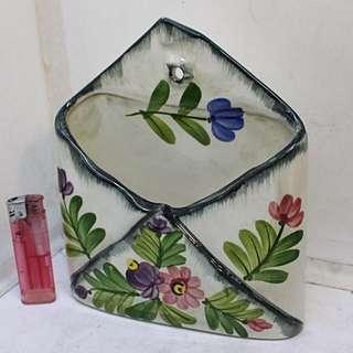 意大利白瓷手繪草花折疊花布型 挂壁花器