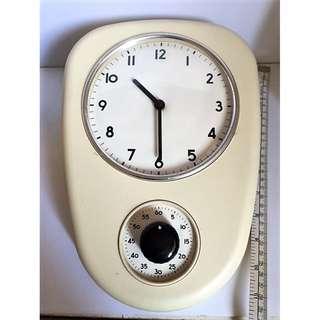 Vintage Mid Century 60s Retro Kitchen Clock With Timer.