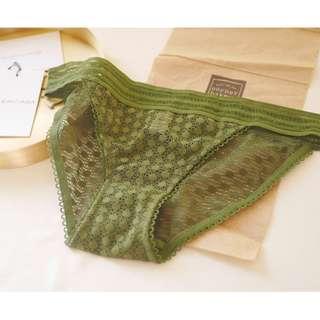 UnderWar歐美風格MD06_暖日_寬腰帶圓點點縷空健康包臀舒適低腰三角褲 墨綠色