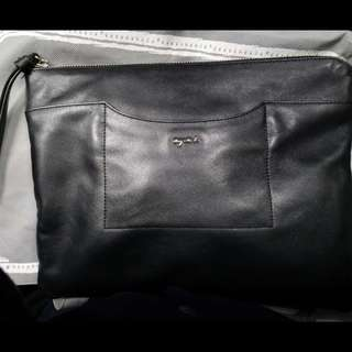 Agnes b 黑色真皮手提袋