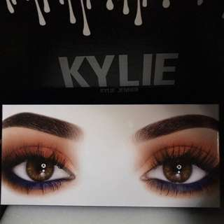 Royal Peach & Burgundy Palette by Kylie Cosmetics [INSTOCK]
