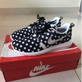 Nike Roshe Run NM QS Size 8 MEN Brand New