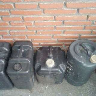 Heavy Duty Water Gallon Container