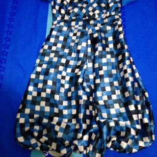 Blue dress pop
