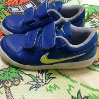 Sepatu Nike Anak original