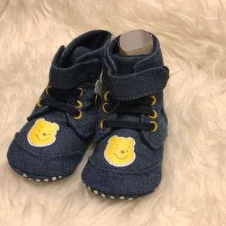 Winnie the Pooh baby prewalking shoes 嬰兒學行鞋